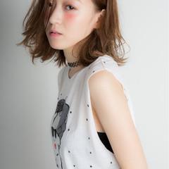 外国人風 ウェットヘア ストリート ミディアム ヘアスタイルや髪型の写真・画像