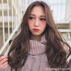 巻き髪 透明感カラー ナチュラル デート ヘアスタイルや髪型の写真・画像
