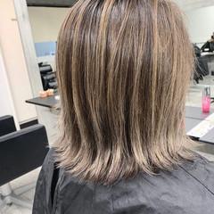 外国人風カラー ミルクティーベージュ ボブ グラデーションカラー ヘアスタイルや髪型の写真・画像