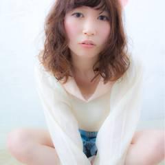 秋 ガーリー オン眉 ミディアム ヘアスタイルや髪型の写真・画像