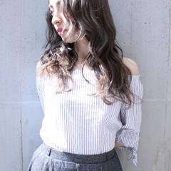 アッシュ ロング フェミニン グラデーションカラー ヘアスタイルや髪型の写真・画像