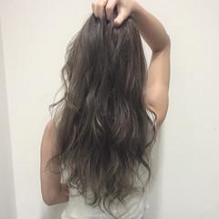 グラデーションカラー 外国人風 アッシュ グレージュ ヘアスタイルや髪型の写真・画像