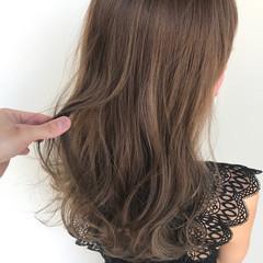 ロング 巻き髪 レイヤーカット グレージュ ヘアスタイルや髪型の写真・画像