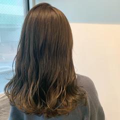 シアーベージュ ベージュ ロング 大人可愛い ヘアスタイルや髪型の写真・画像