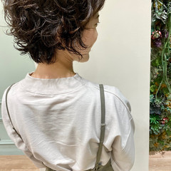 ウルフパーマ ミディアム ウェーブ ニュアンスウルフ ヘアスタイルや髪型の写真・画像