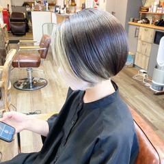 インナーカラー ショートボブ ボブ アッシュグレー ヘアスタイルや髪型の写真・画像