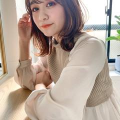 ウルフカット レイヤーカット ミディアム 前髪あり ヘアスタイルや髪型の写真・画像