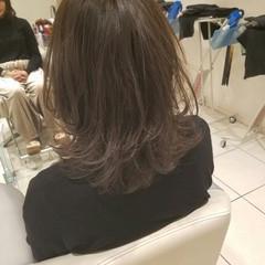 ニュアンス フェミニン アッシュ 大人かわいい ヘアスタイルや髪型の写真・画像