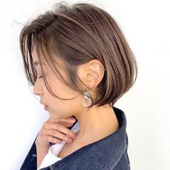 ミルクティーベージュ 大人ハイライト ショート ナチュラル ヘアスタイルや髪型の写真・画像