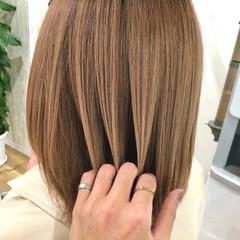 トレンド アディクシーカラー 切りっぱなしボブ ヌーディベージュ ヘアスタイルや髪型の写真・画像