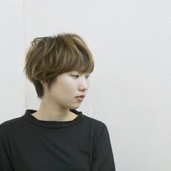 外国人風 大人かわいい くせ毛風 ハイライト ヘアスタイルや髪型の写真・画像