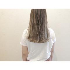 ミルクティーグレージュ ミルクティーベージュ ハイライト ミルクティーアッシュ ヘアスタイルや髪型の写真・画像