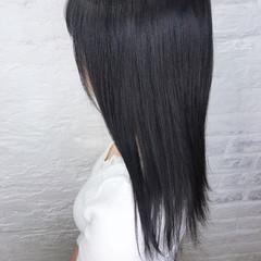 ナチュラル ミルクティーグレージュ オフィス ブルーブラック ヘアスタイルや髪型の写真・画像