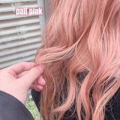 ロング ピンクベージュ ピンク ガーリー ヘアスタイルや髪型の写真・画像