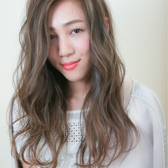 フェミニン ストリート ハイライト アッシュ ヘアスタイルや髪型の写真・画像