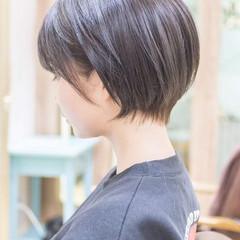 前下がり ショートボブ ショートヘア ミニボブ ヘアスタイルや髪型の写真・画像