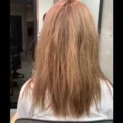 オリーブカラー ロング 髪質改善トリートメント ナチュラル ヘアスタイルや髪型の写真・画像