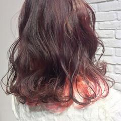 ミディアム フリンジバング ニュアンス パーマ ヘアスタイルや髪型の写真・画像