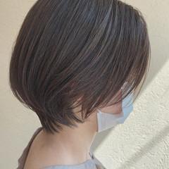 ショート アッシュグレージュ オリーブグレージュ 大人ショート ヘアスタイルや髪型の写真・画像