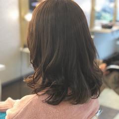 アンニュイ 暗髪 ミディアム 大人かわいい ヘアスタイルや髪型の写真・画像