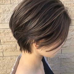 ナチュラル ショート インナーカラー アンニュイほつれヘア ヘアスタイルや髪型の写真・画像