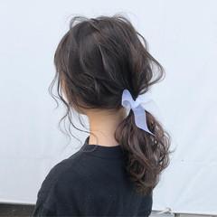 ヘアアレンジ セミロング ナチュラル ローポニーテール ヘアスタイルや髪型の写真・画像