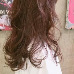ピンク 透明感 セミロング エレガント ヘアスタイルや髪型の写真・画像