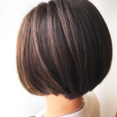 エフォートレス ボブ フェミニン ハイライト ヘアスタイルや髪型の写真・画像
