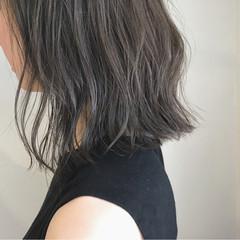 秋 切りっぱなし 外ハネ ロブ ヘアスタイルや髪型の写真・画像