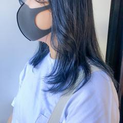ウルフカット インナーカラー レイヤーカット 透明感カラー ヘアスタイルや髪型の写真・画像