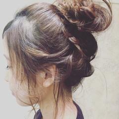 暗髪 ロング 簡単ヘアアレンジ アッシュ ヘアスタイルや髪型の写真・画像