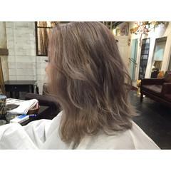 アッシュ 外国人風 透明感 トレンド ヘアスタイルや髪型の写真・画像