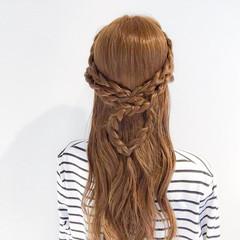 アウトドア ハーフアップ 三つ編み 大人女子 ヘアスタイルや髪型の写真・画像