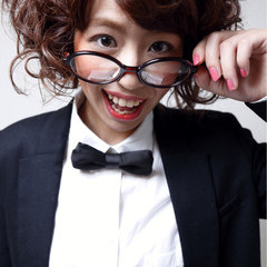 セミロング ガーリー パーマ フェミニン ヘアスタイルや髪型の写真・画像