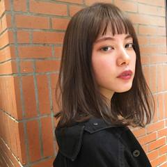 ストレート 黒髪 暗髪 ミディアム ヘアスタイルや髪型の写真・画像