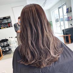 ロング ハイライト コントラストハイライト 大人ハイライト ヘアスタイルや髪型の写真・画像