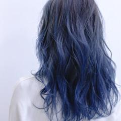 ダブルカラー ブリーチ ストリート セミロング ヘアスタイルや髪型の写真・画像