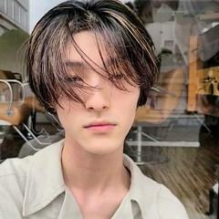 ナチュラル ショート センターパート ハンサムショート ヘアスタイルや髪型の写真・画像