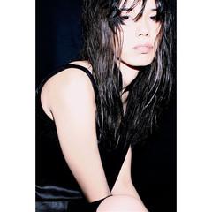 ストレート ウェットヘア 黒髪 くせ毛風 ヘアスタイルや髪型の写真・画像