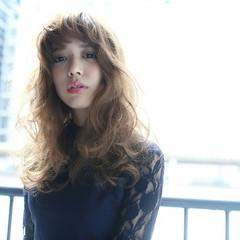 外国人風 かわいい ナチュラル ストリート ヘアスタイルや髪型の写真・画像