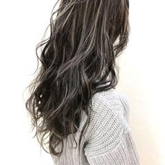 ハイライト ウェーブ 外国人風カラー ミルクティーベージュ ヘアスタイルや髪型の写真・画像