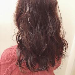 ロング ピンク ピンクアッシュ フェミニン ヘアスタイルや髪型の写真・画像