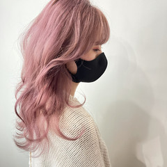 セミロング ピンク ベリーピンク ピンクアッシュ ヘアスタイルや髪型の写真・画像