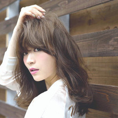かわいい アッシュ 外国人風 前髪あり ヘアスタイルや髪型の写真・画像