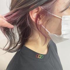 イヤリングカラー ウルフ女子 インナーカラー イヤリングカラーピンク ヘアスタイルや髪型の写真・画像