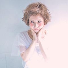 フェミニン ショート ガーリー ショートバング ヘアスタイルや髪型の写真・画像