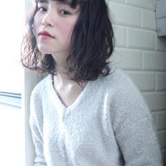 アッシュ 小顔 ナチュラル ニュアンス ヘアスタイルや髪型の写真・画像