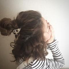 大人かわいい ミディアム ハーフアップ 波ウェーブ ヘアスタイルや髪型の写真・画像