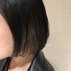 アッシュグレー モード インナーカラー アッシュグレージュ ヘアスタイルや髪型の写真・画像
