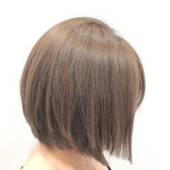 アッシュ モード ショート ダブルカラー ヘアスタイルや髪型の写真・画像